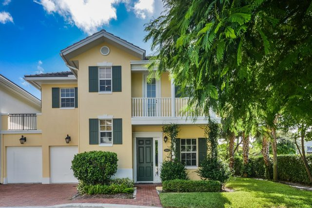 1063 East Heritage Club Circle Delray Beach, FL 33483