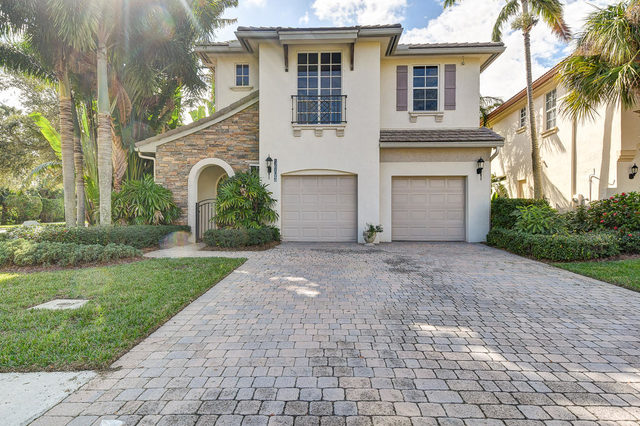 1903 Flower Drive Palm Beach Gardens, FL 33410