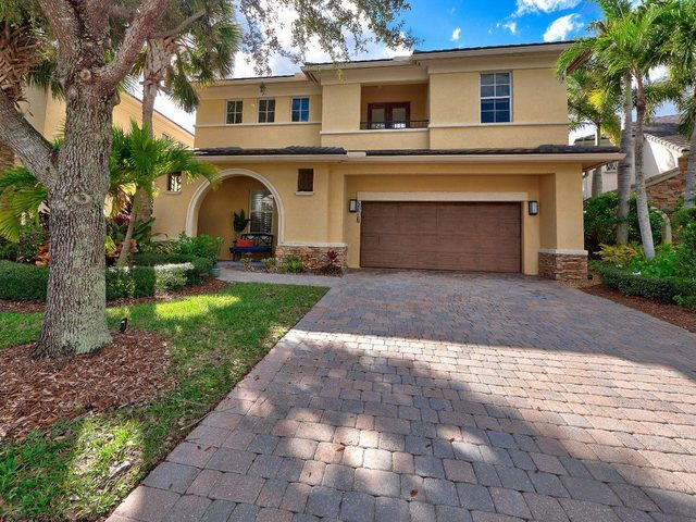 2107 Spring Court Palm Beach Gardens, FL 33410